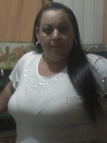 Mujer busca hombre en Contactos Colombia