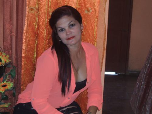 Mujer de Velasco (Cuba) busca Una pareja estable con Hombres